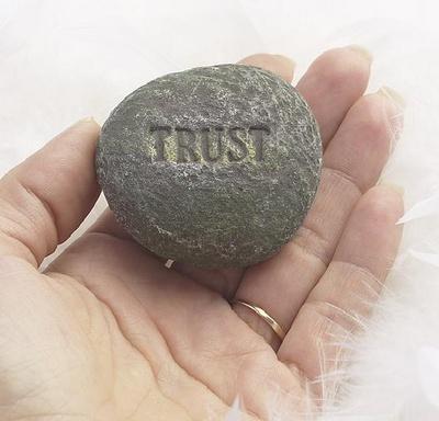 41-1204944967_trust1_400